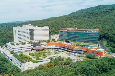 Find  IOLs implantation prices at Seoul National University Bundang Hospital (SNUBH)
