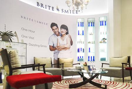 Find Dental Implant prices at Dental Signature at Siam Paragon in Thailand